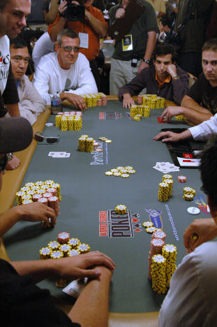 2006_WSOP_Main_Event_Table