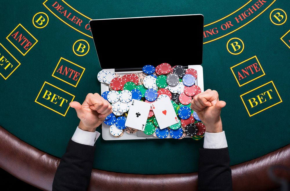Factors-to-Consider-When-Signing-up-for-Any-Online-Casino-1000x660